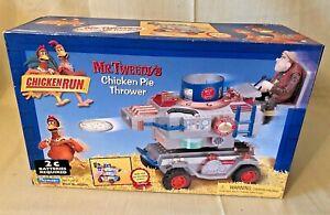 2000 Playmates Chicken Run Mr. Tweedy's Chicken Pie Thrower NEW