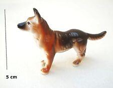 chien miniature en céramique ,collection, vitrine, hondje, dog   S5-A