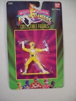 VINTAGE MIGHTY MORPHIN POWER RANGERS YELLOW RANGER PVC FIGURE ON CARD BANDAI