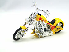 Moto IRON CHOPPERS CUSTOM V-TWIN JAUNE FLAMMING ROUE  1/18 MOTORMAX