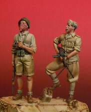 1:35 WWII Standing Italian Soldiers, Resin Model Kit, 2 Figures No Tank