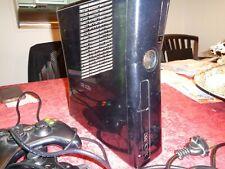 X Box 360 S mit 19 Spielen, Zwei Controllern, Gerät in Ordnung