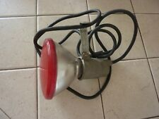 VINTAGE UNBRANDED 2 PRONG PLUG - PLUG-IN 3 1/2' CORD HEAT LIGHT LAMP (RED)