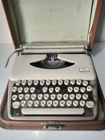 Vintage 1960s TRIUMPH TIPPA Portable Cased Collectable TYPEWRITER Needs Service