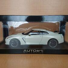 Auto Art 1/18 Nissan Skyline GTR R-35 Spec V Brilliant White Pearl Very Rare