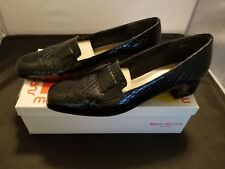 Magdesians Size 9 N Rita-R Navy Blue Colorway Cobra Patent Slip On Loafers EUC