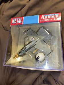 FRANKLIN MINT ARMOUR 1/100 F-18 HORNET Chippy Ho!! WITH FLIGHT HELMET 7009