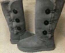 UGG BAILEY BUTTON TRIPLET TRIPLE II GREY/GRAY SUEDE TALL BOOTS SIZE US 10 WOMENS