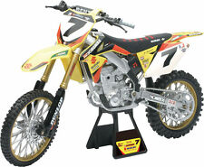 New Ray Toys 1:6 Die Cast Replica James Stewart #7 Yoshimura Suzuki 49483