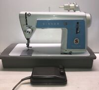 Vintage Singer Touch & Sew Sewing Machine Model 604E W/Case