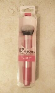 Real Techniques by Sam & Nic Instapop Cheek Blush Highlighter Brush #405 New