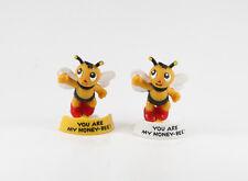 Biene Maja === 2 x Figuren von Bully / Bullyland auf rundem Sockel