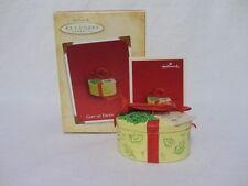 Hallmark Keepsake Ornament Gift Of Friendship Handcrafted Mint In Box 2004