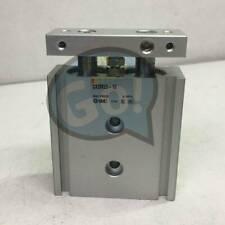 NEW SMC Pneumatic CXSM25-10 Dual Rod Cylinder Double Acting CXSM2510