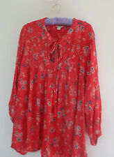 Monsoon top size 22 Red with flowers