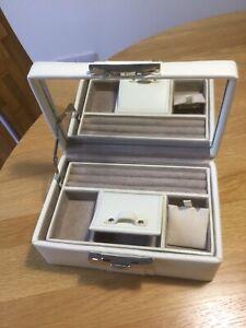 Luxury Leather Jewellery Box