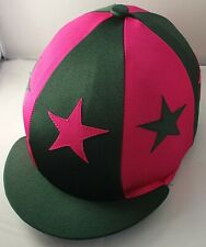 RIDING HAT COVER - BOTTLE GREEN & CERISE WITH ALTERNATE STARS & BUTTON