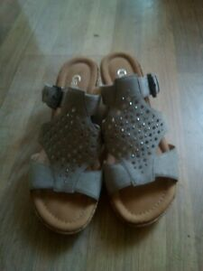 Gabor wedge sandals size 6