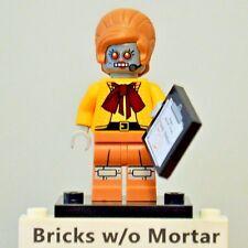 New Genuine LEGO Velma Staplebot Minifig with Clipboard The Lego Movie 71004