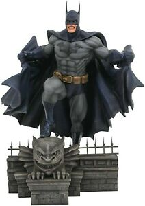 Diamond Select Toys DC Gallery Batman PVC figure