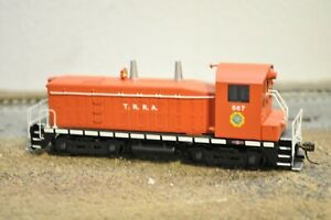 BROADWAY LIMITED SW-1200 T.R.R.A. MAN IN CAB RUNS WELL