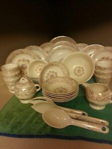 22-K Gold Santa Rosa by Royal.  31 piece dishware set! VT potters Antique china!