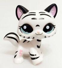 Hasbro Littlest Pet Shop Tiger Cat Kitty White Striped With Aqua Blue Eyes CN