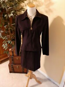 Womens 2 piece Jacket & Skirt. Size 7/8. By Scarlet, Great Condition, Worn once