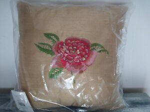 Oscar De La Renta Decorative Pillow 100% Silk Crimson Garden Floral Gold 16 X 16