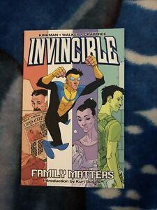 Invincible: Vol. 1, Family Matters. Kirkman, Walker, Crabtree