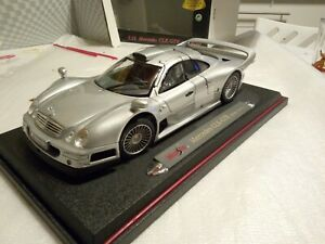 Voiture 1/18 Mercedes Clk Gtr Street Version