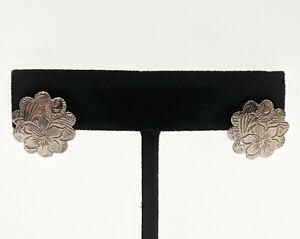 Simple Scalloped Silver Tone Floral Dangle Pierced Earrings 1/2 inch
