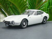 Triple9 1/18 Scale Toyota 2000 GT 1967 White Diecast Car Model Collection