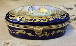 ANTIQUE SEVRES PORCELAIN SMALL JEWELRY BOX