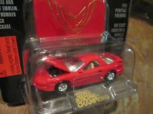 1995 firebird red Racing Champions mint edition issue 20 w / stand  1:60 Scale