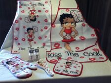 "BETTY BOOP 6 PC. KITCHEN SET - ""KISS THE COOK'"" -BRAND NEW STYLE  -GREAT PRICE !"