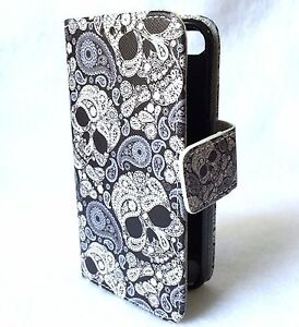 iPod Touch 5th 6th & 7th Gen - Leather Card Wallet Pouch Case Black White Skulls