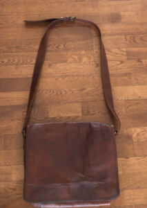 Brown Leather Messenger Mail Bag Laptop Carry On EUC !