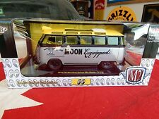 M2 MACHINES 1:24 AUTO THENTICS VOLKSWAGEN VW BUS MOONEYES CHASE