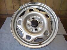 Stahlfelge Silber mit Nabenkappe für MITSUBISHI Carisma DAO 5,5Jx14H2 4x100 ET44