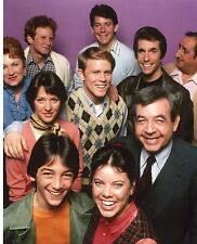 HAPPY DAYS CAST INCLUDING: FONZIE, RICHIE, POTSY,RALPH MOUTH    UNSIGNED 8X10