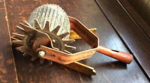 Vintage Wolf Lawn Edger Hand Tool
