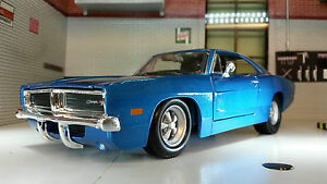 1:24 1:25 Scale Dodge Charger Blue R/T 1969 V8 Maisto Model Car 31256 LGB Metal