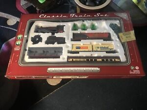 Classic Train Set // Battery Operated// Sounds & Light Realistic// 40 Pieces