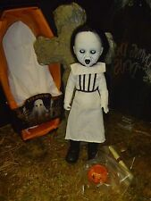 🔵  Living Dead Dolls Eleanor Series 16 Open and Complete