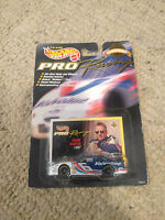 Hot Wheels 1:64 Scale 1997 1st Edition NASCAR RACING MARK MARTIN VALVOLINE #6