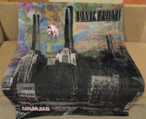 New Pig & Buildings Pink Floyd Fleece Throw Gift Blanket Animals Album Cover NIP