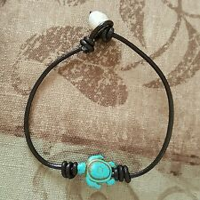 LEATHER TURQUOISE HOWLITE TURTLE & PEARL BEAD BRACELET