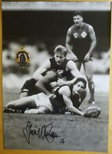 1993 G.WANGANEEN ESSENDON HAND SIGNED B&W PHOTO & FREE REPLICA BROWNLOW MEDAL