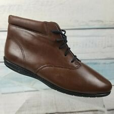 Easy Spirit Womens Brown Lace Up Flat Round Toe Ankle Boots Size 8 B